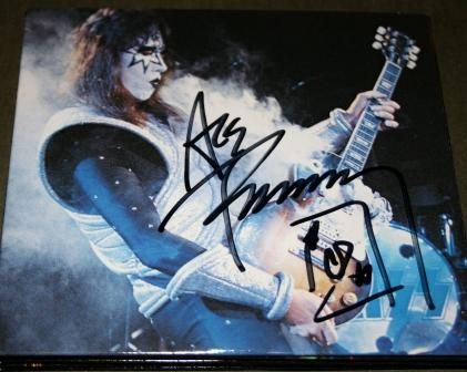 Best Cd Rates >> The Inkwell Gallery, Entertainers, Music autographs, Best of KISS, Paul Stanley signed CD